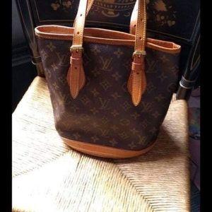 Lv bag aunthentic bag